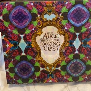 Urban decay Alice in wonderlands eyeshadow palette